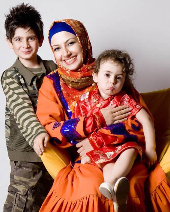 ملیکا زارعی و دختر و پسرش