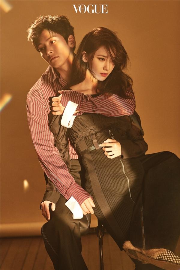 عکس های جدید چی چانگ ووک و یونا برای مجله ی vogue