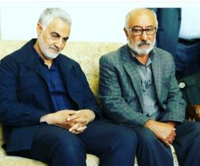 قاسم سلیمانی در کنار پدر شهید حیدر ابراهیم خانی