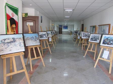نمایشگاه عکس دفاع مقدس در شهرستان رستم