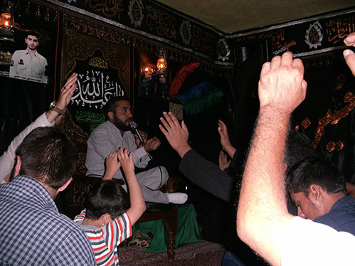 مراسم سیاه پوشان هیئت زوّارالحسین(ع) در حسینیه شهید دولت آبادی