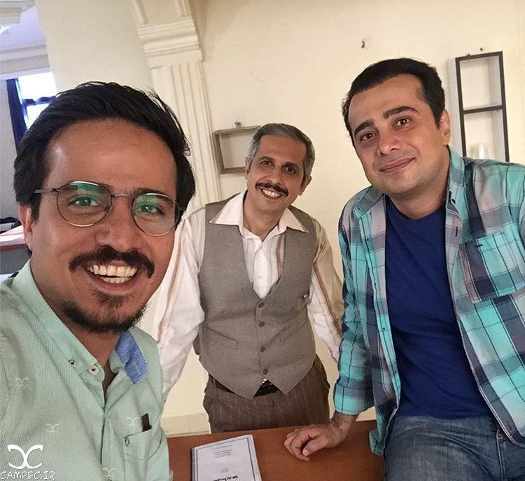 سپند امیرسلیمانی جواد رضویان و حسین سلیمانی در پشت صحنه سریال همسایه ها