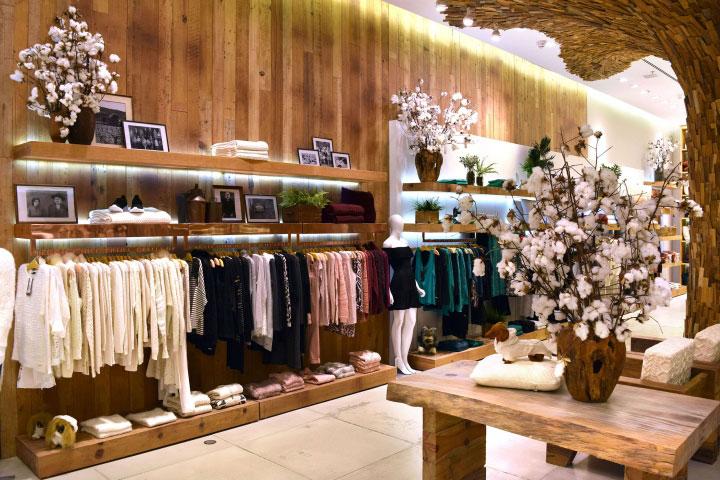 طراحی و اجرای دکور مغازه پوشاک