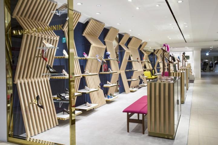 طراحی و اجرای دکوراسیون مغازه کفش