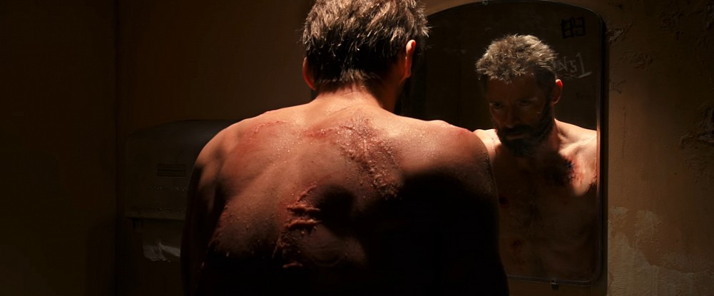 [تصویر:  Logan_Trailer_Mirror.jpg]