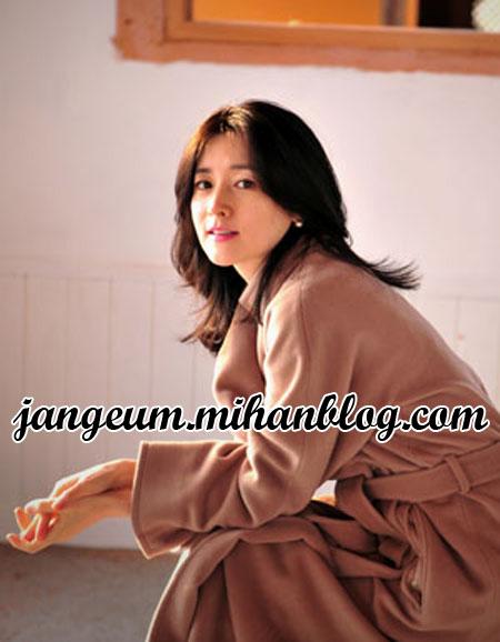 http://s8.picofile.com/file/8271849242/magazine4.jpg