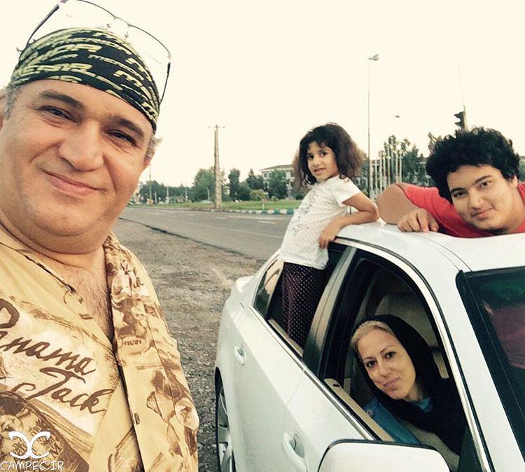 نادر سلیمانی با خانواده اش