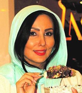 بیوگرافی عکسها و زندگینامه پرستو صالحی با خانواده