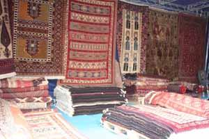 نمایشگاه دستبافتههای ایرانی در موزه فرش
