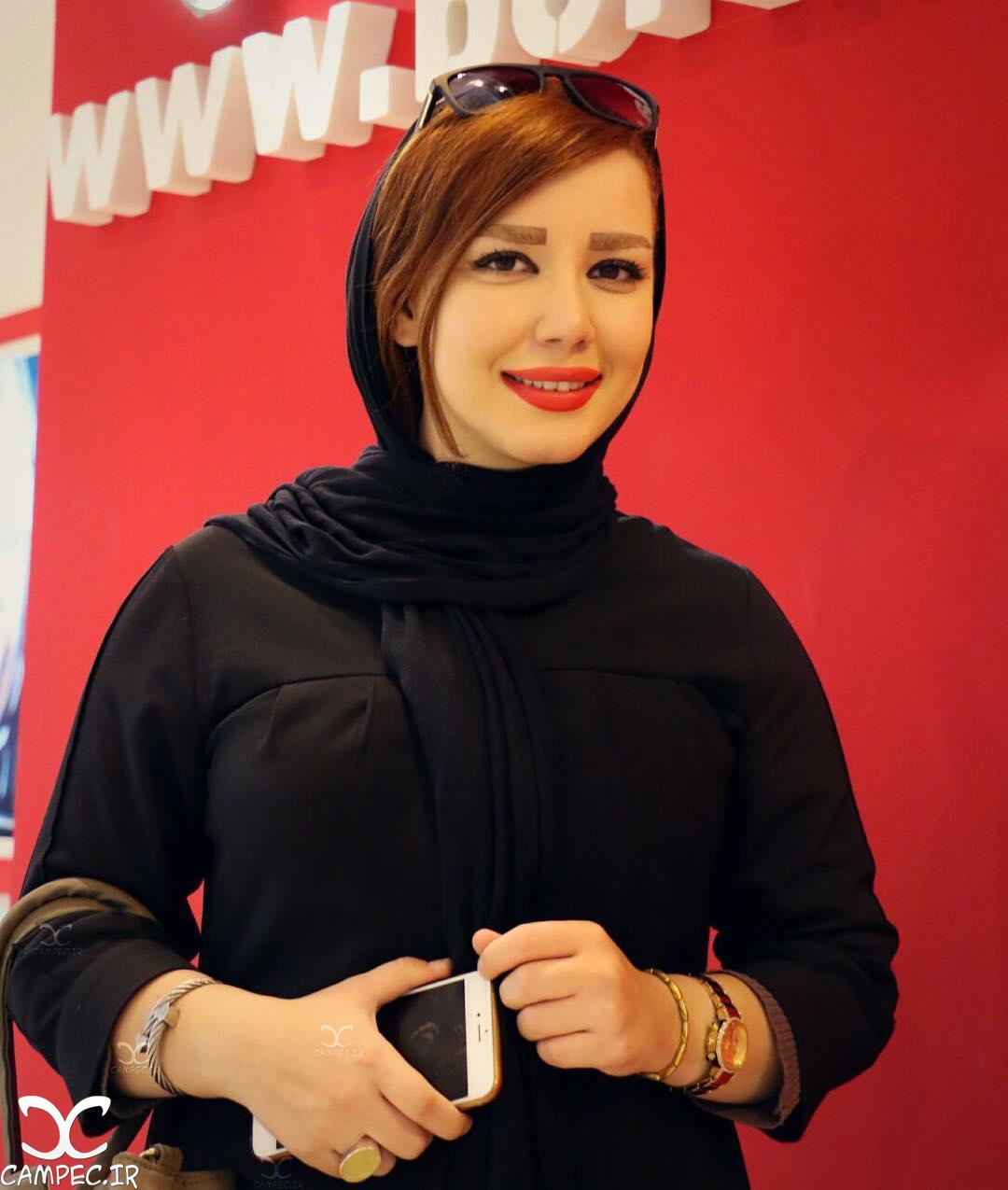 شیما شهامتی در نمایشگاه مطبوعات