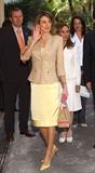 کت زنانه مجلسی یقه ایستاده با سارفن ساتن و کفش پاشنه بلند لیمویی
