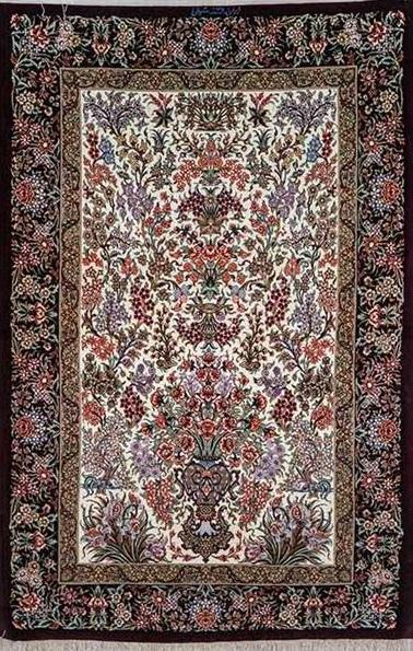 نقش گلدانی در فرش