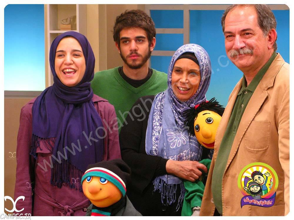عکس آتیلا پسیانی با خانواده اش در برنامه کلاه قرمزی