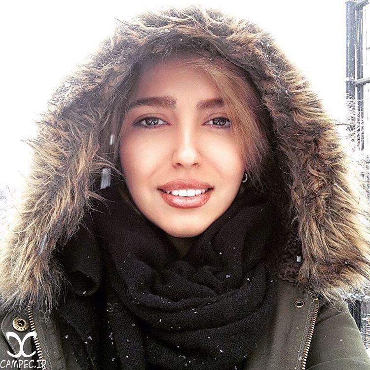 مونا کرمی در روز برفی تهران