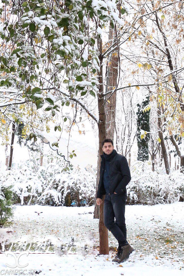 علی ضیاء در روز برفی تهران