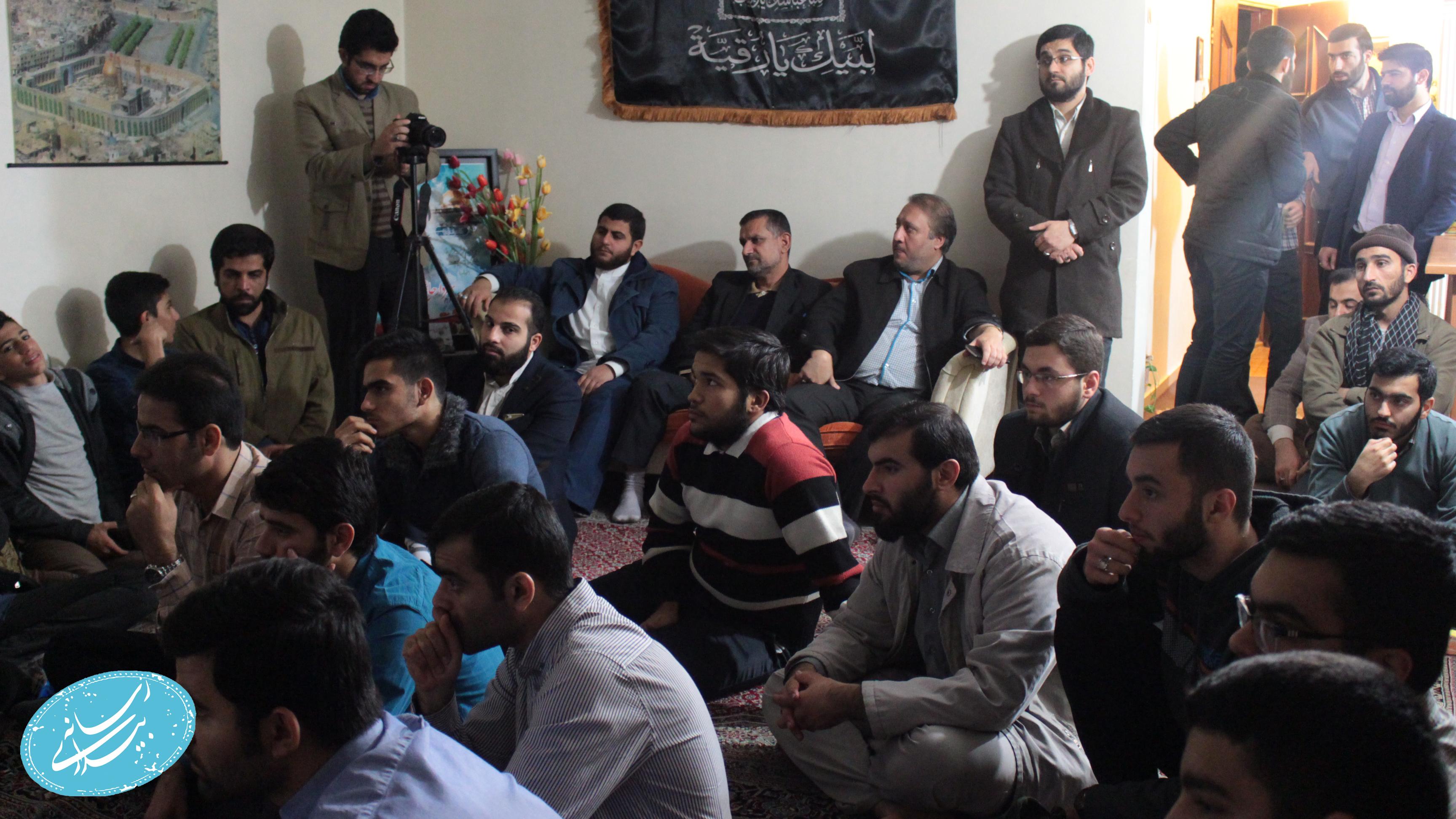 گزارش تصویری اولین اکران سینما مقاومت منزل شهید قربانی