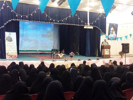 حضور امام جمعه شهر  قهدریجان حجت الاسلام والمسلمین هاشمی دربنیاد فرهنگی به مناسبت هفته وحدت وایجاد