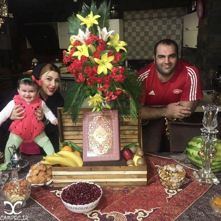 بهداد سلیمی با همسر و دخترش در شب یلدا 95