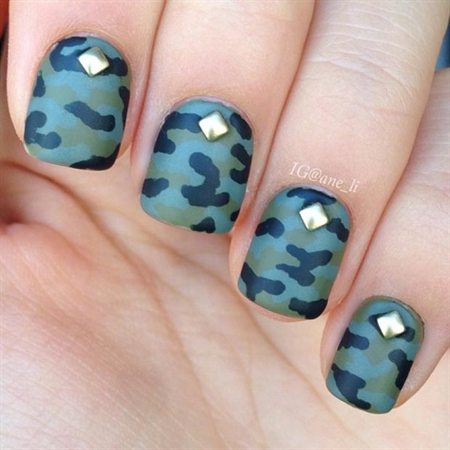 Gold_Studs_and_Camo_Nail_Design.jpg (450×450)