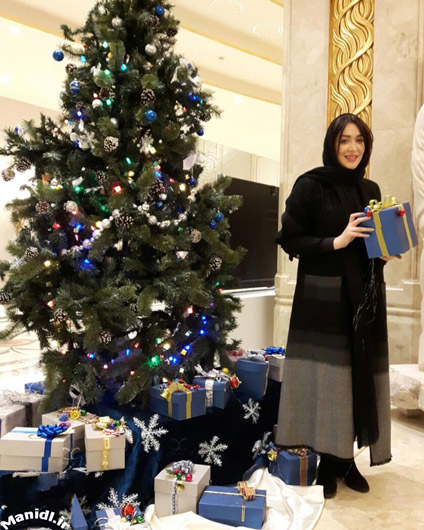 سارا منجزی در کریسمس 2017