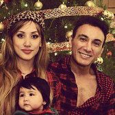 عکسهای شادمهر عقیلی و خانواده اش در شب کریسمس