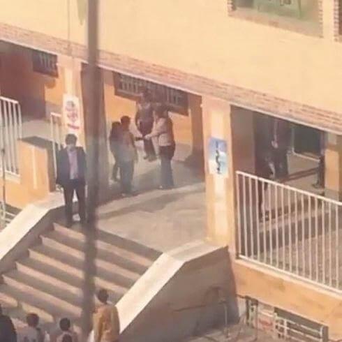 دانلود کلیپ جنجالی تنبه چند دانش آموز با کمربند