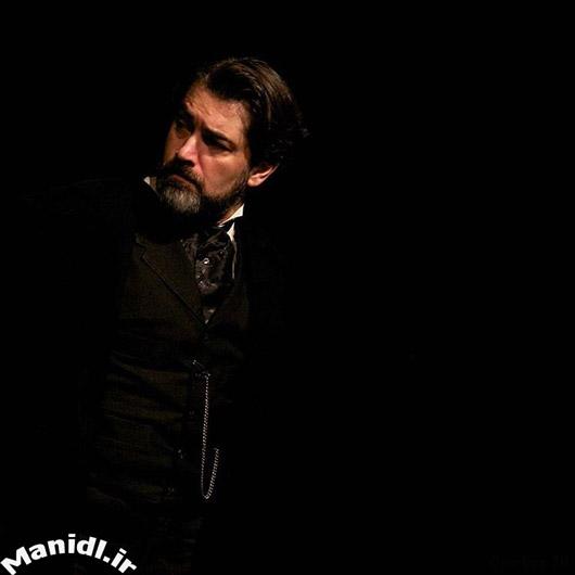 عکس جدید پارسا پیروزفر در نمایش ماتریوشکا