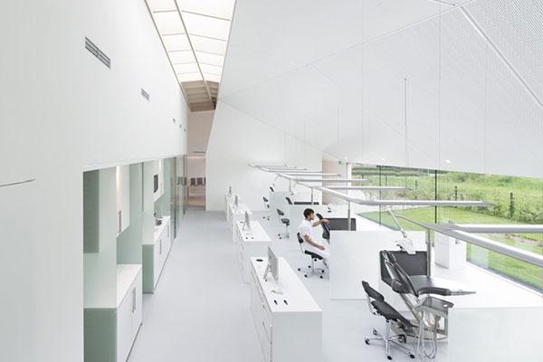 طراحی و اجرای کلینیک دندان پزشکی در هلند