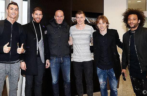 <h3>عکس بازیکنان رئال مادرید در زوریخ پیش از شروع مراسم برترین های سال 2016 فیفا</h3>