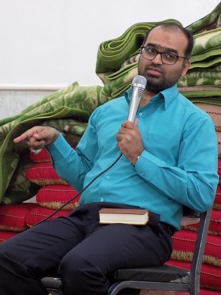 حضور دکتر هادوی مدرس وقاری دانشگاه ولی عصر رفسنجان در مراسم اعتکاف محله صادقیون