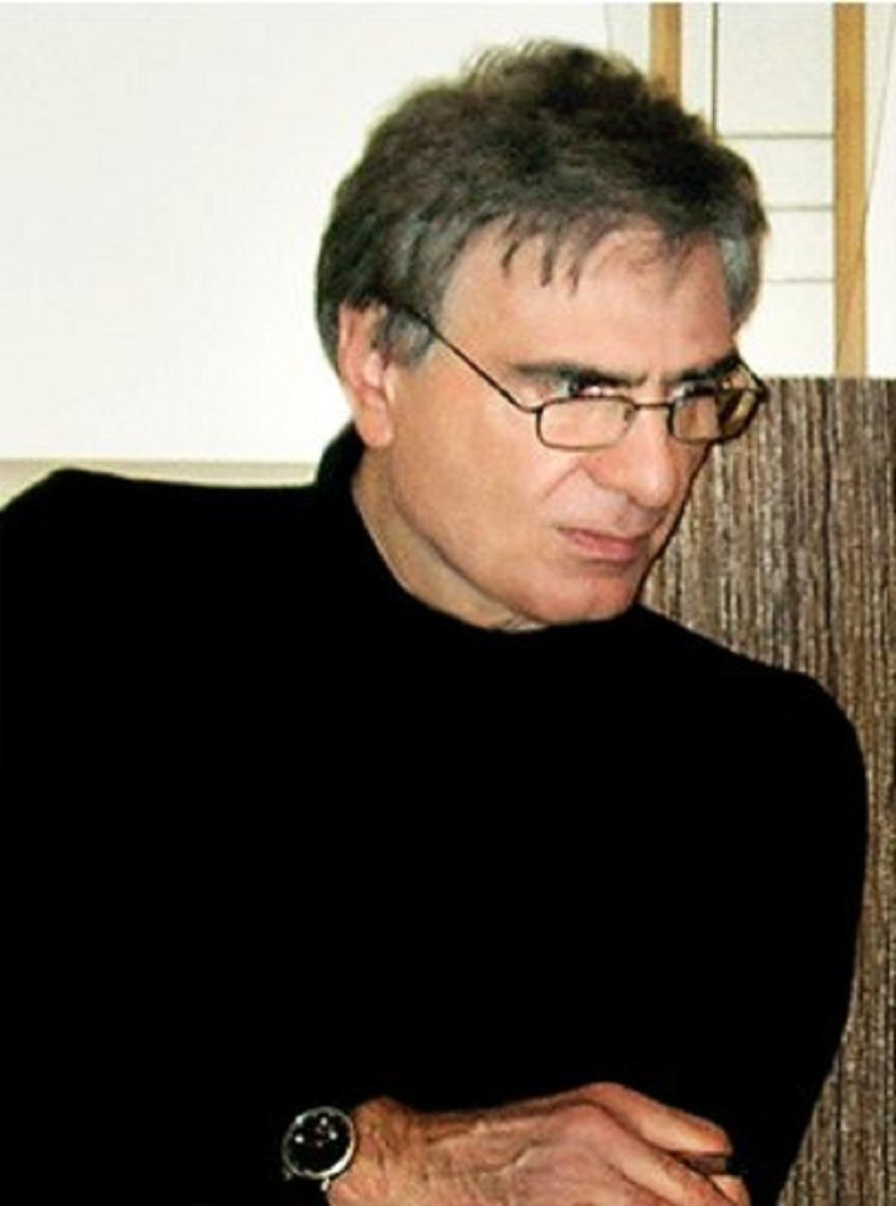 معمار ایرانی فرهاد احمدی (پاورپوینت)