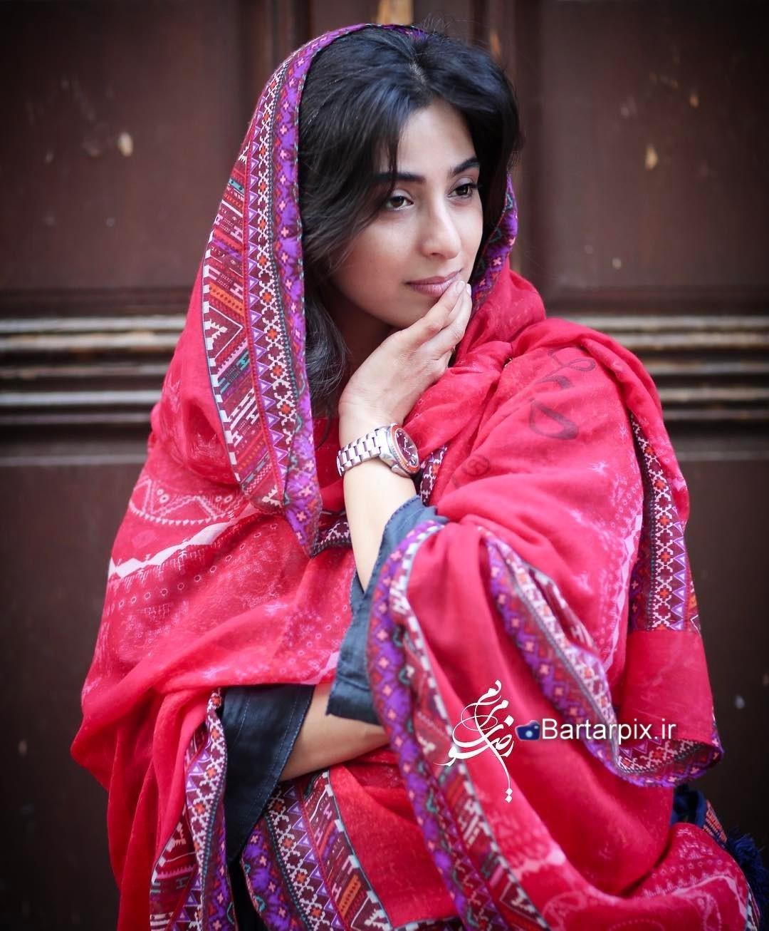 http://s8.picofile.com/file/8295201192/www_bartarpix_ir_anahita_afshar_sal_1396.jpg