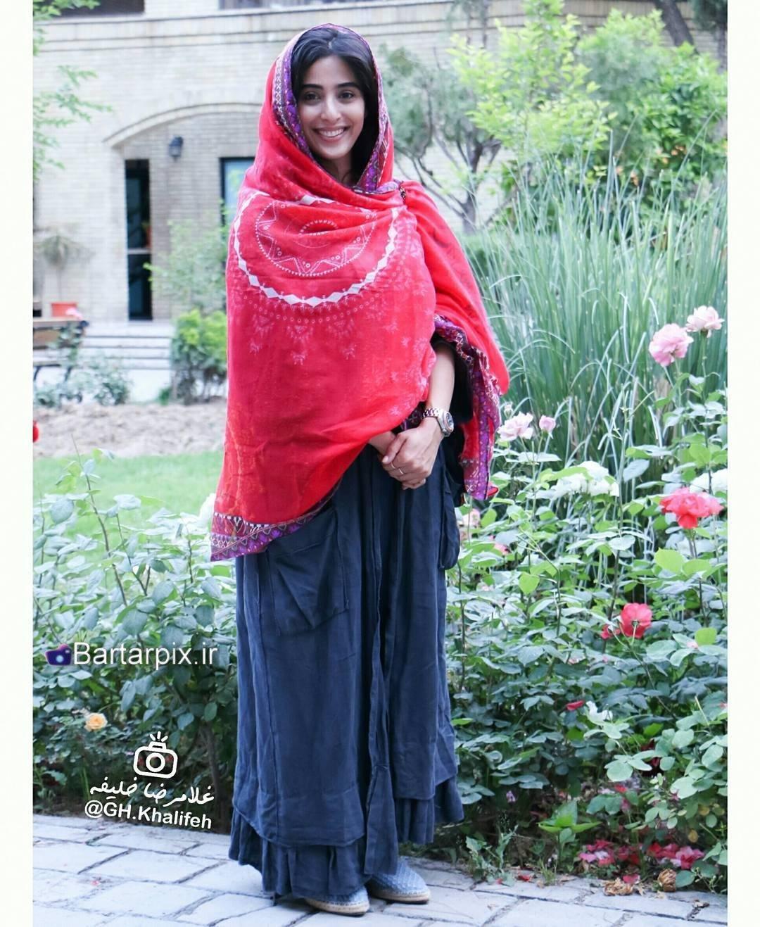 http://s8.picofile.com/file/8295201250/www_bartarpix_ir_anahita_afshar_sal_1396_2_.jpg