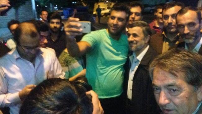 عکس احمدی نژاد و بقایی رای دادن در انتخابات 96