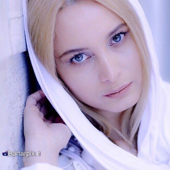http://s8.picofile.com/file/8297157868/www_bartarpix_ir_maryam_kaviani_khordad_96_2_.jpg