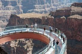 پاورپوینت پل شیشه ای بر فراز گراند کانیون آمریکا