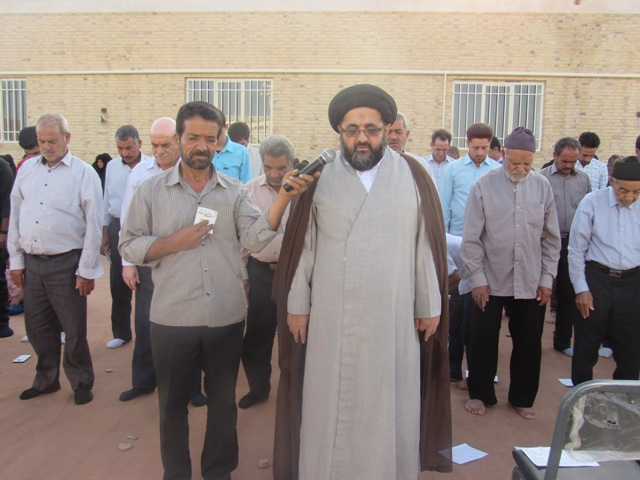 نماز عید فطر در محله صادقیون رفسنجان  برگزار شد