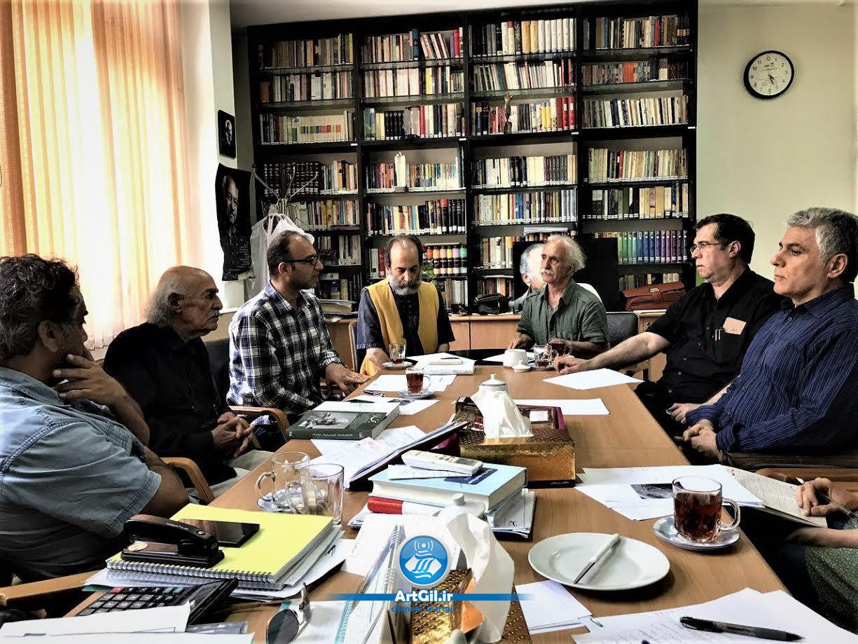 نشست شورای سیاستگذاری مدالیوم خسرو حکیمرابط در خانه تئاتر