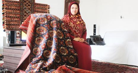 زلیخا عادلی، عامل توسعه خوشه فرش دستباف استان گلستان