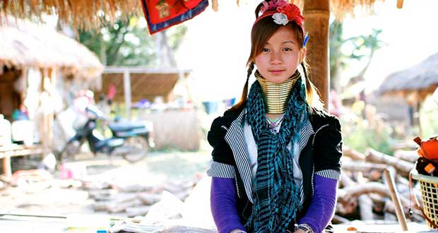 زن های گردن دراز روستای کارن تایلند را تماشا کنید