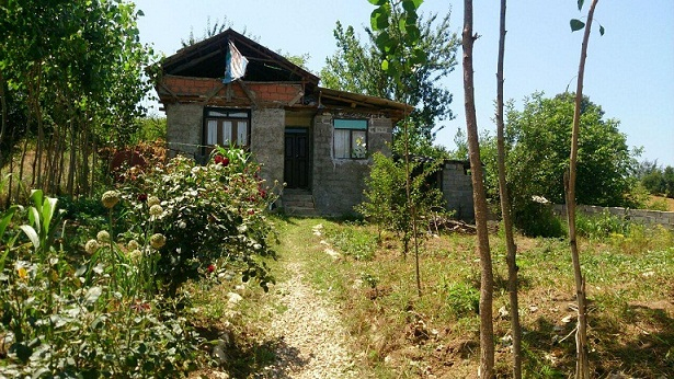خانه باغی. تیر ماه 1396. عکاس: جناب یک دوست