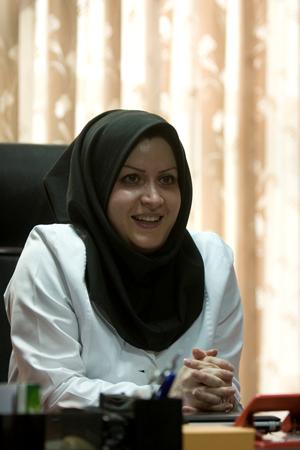 خانم فهیمه دخانچی مدیر کارخانه پارس آیلین مهر