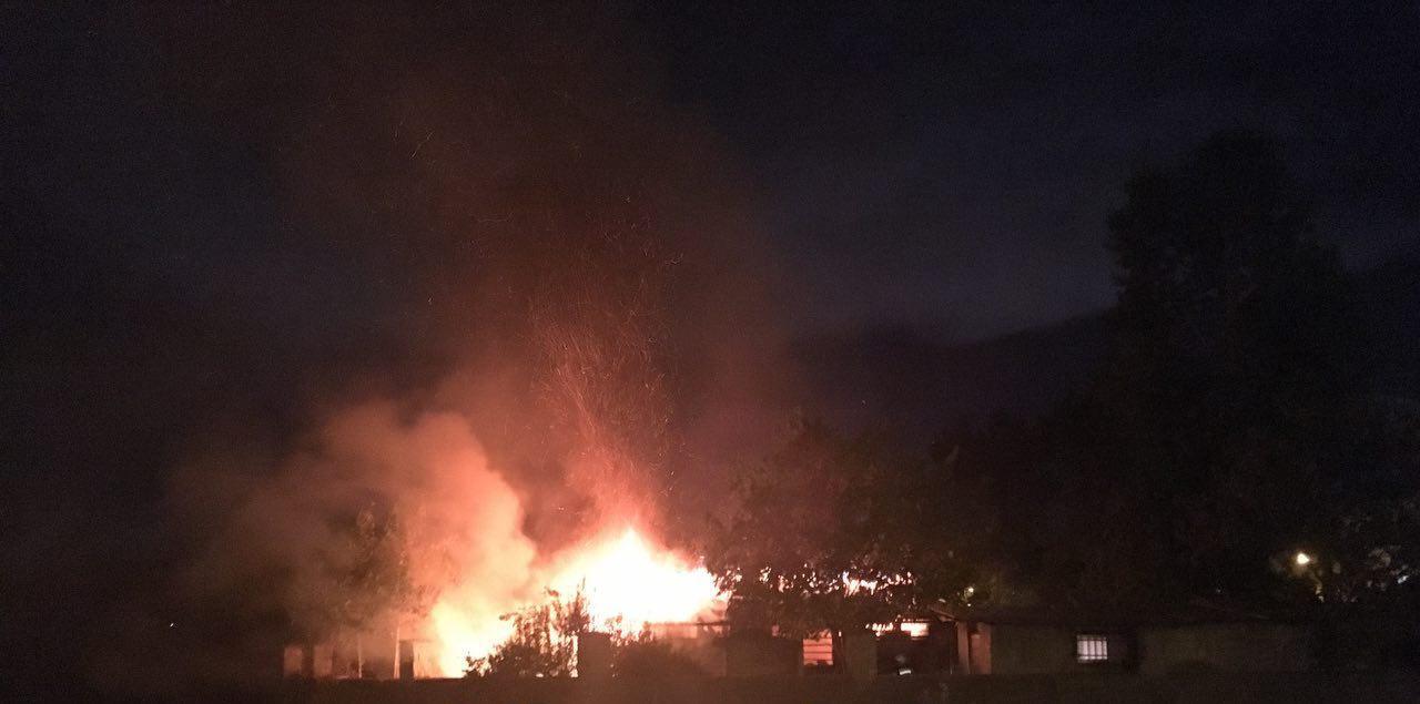 آتش سوزی شبانه در کارگاه تابلوسازی خیابان تختی رشت