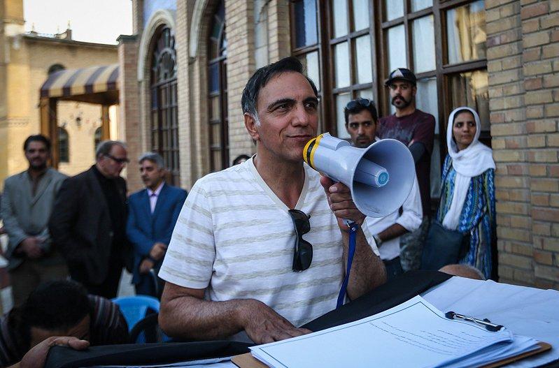 انتقاد کارگردان «شهرزاد» از اتهام سیاهنمایی به سینماگران حسن فتحی: به خدا قسم هیچ فیلمی برای جامعه خطرناک نیست