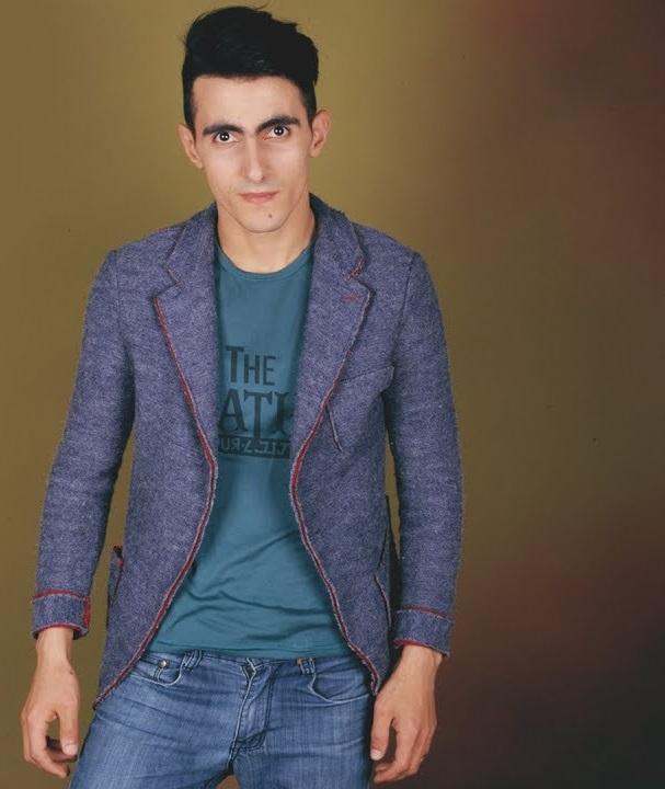 http://s8.picofile.com/file/8304896576/18Semistan_Muradxanli_Hesret_Negmesi.jpg