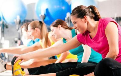 تمرين ورزشي براي زنان بارداري که دستشان درد ميکند / ني ني سايت