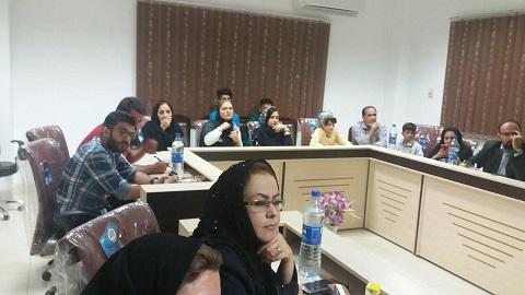 نشست مدیرکل فرهنگ و ارشاد اسلامی با اصحاب فرهنگ و هنر شهرستان رستم