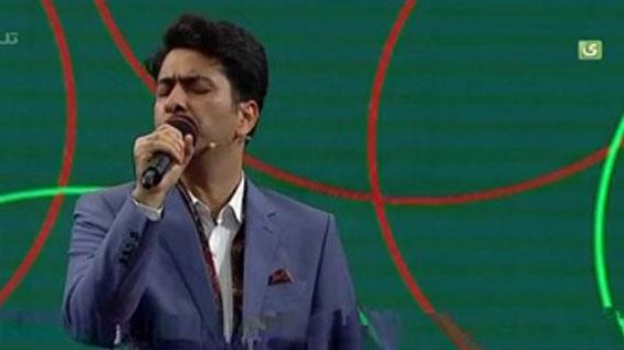 اجرای قطعه عاشقانه «كویر» توسط محمد معتمدی در خندوانه