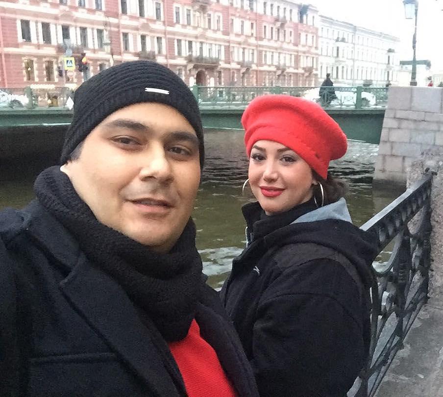 عکس رضا داودنژاد با همسرش در روسیه