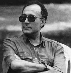 http://s8.picofile.com/file/8307259850/abbas_kiarostami4.jpg